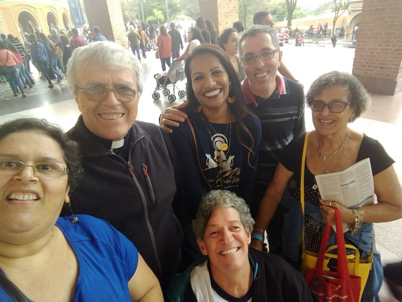 MÃES QUE ORAM PELOS FILHOS/RJ EM ORAÇÃO NA CASA DA MÃE – SANTUÁRIO NACIONAL DE APARECIDA