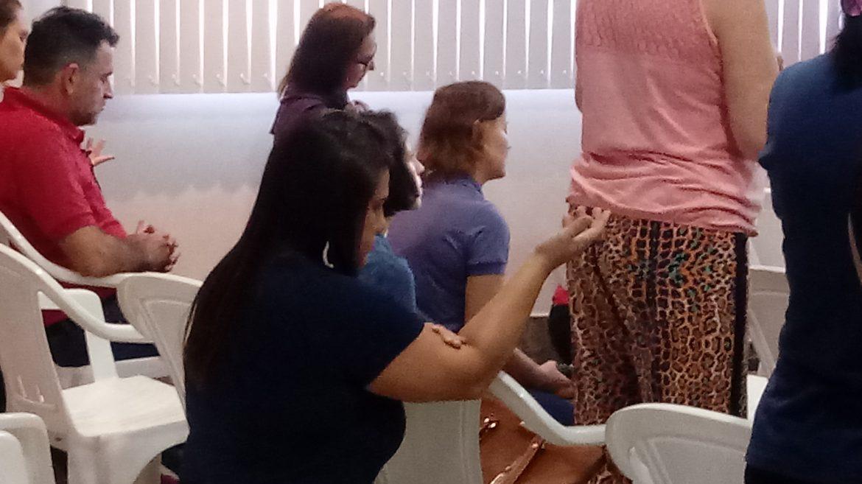 GRUPO DE MÃES ANIMA TARDE DE ORAÇÃO COM AS MULHERES