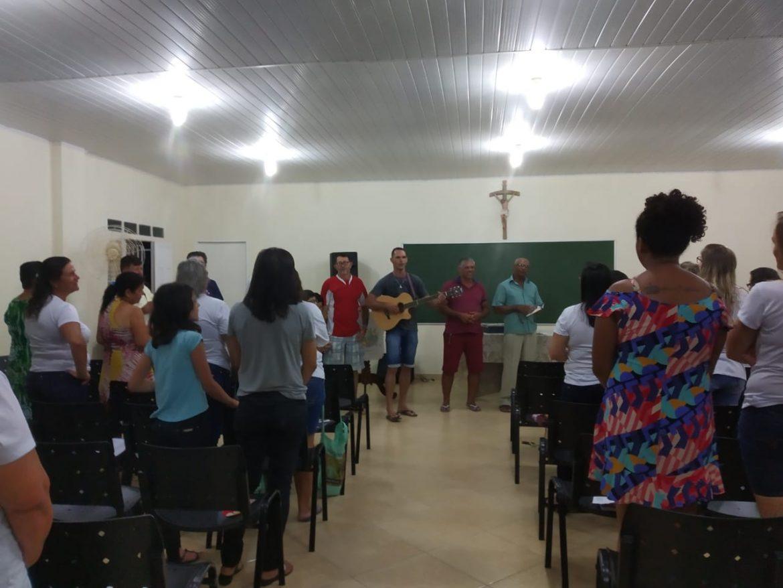 PRIMEIRO ENCONTRO DAS MÃES QUE ORAM PELOS FILHOS DE VILA PAVÃO/ES