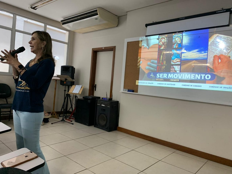 PROJETO PILOTO DE FORMAÇÃO DE SERVIÇO DO MOVIMENTO DE MÃES QUE ORAM PELOS FILHOS