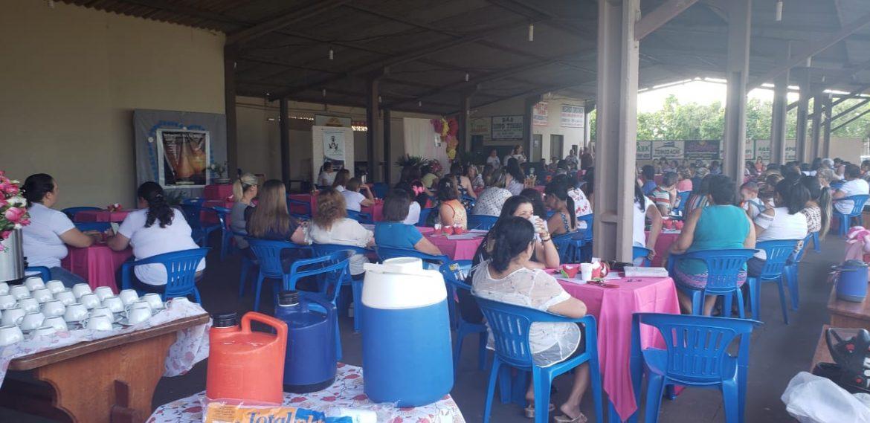 MÃES QUE ORAM PELOS FILHOS/CHÁ DAS ROSAS NA COMUNIDADE SÃO VICENTE PALLOTTI EM AMAMBAI