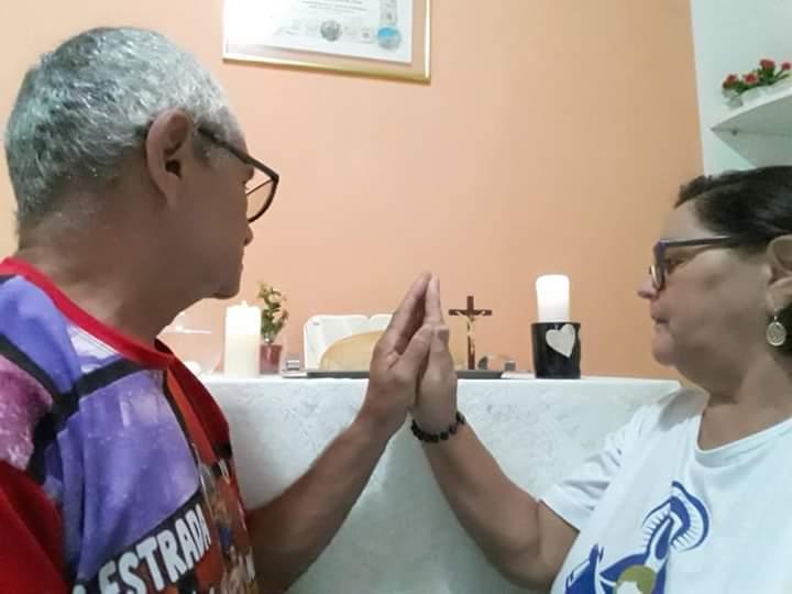 FAMILÍAS DO RIO GRANDE DO NORTE REZANDO PELA SAÚDE DO MUNDO INTEIRO